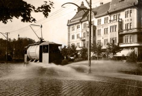 salubritate 3 stropitoarea_tramvai_n_centrul_timiorii_1930